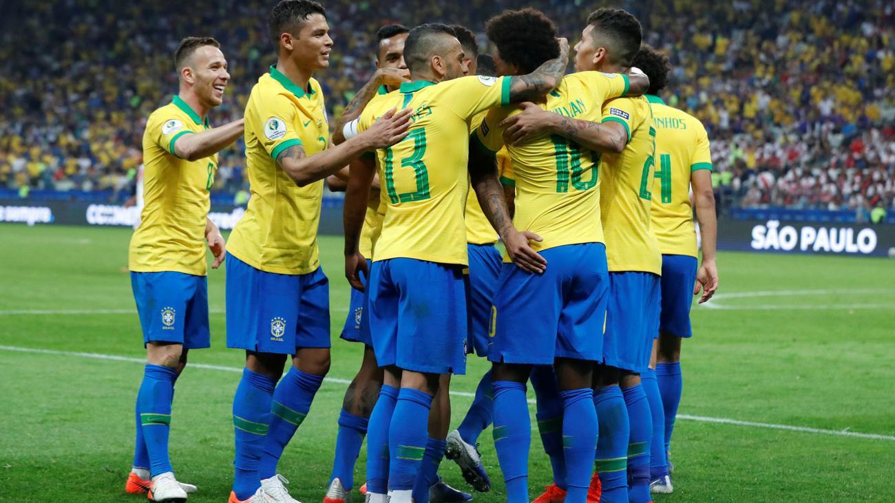 Аргентина прокатает вату, Бразилия засушит Парагвай. Лучшие прогнозы на 1/4 финала Кубка Америки